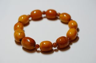 Antique Amber bracelet oval shape w/round